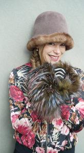 Melanie. Hut mit kuscheligem Pelzkragen. Hüte Christine Halbig - München