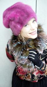 Vivienne, kostbare Pelzbeanie. Hüte Christine Halbig - München