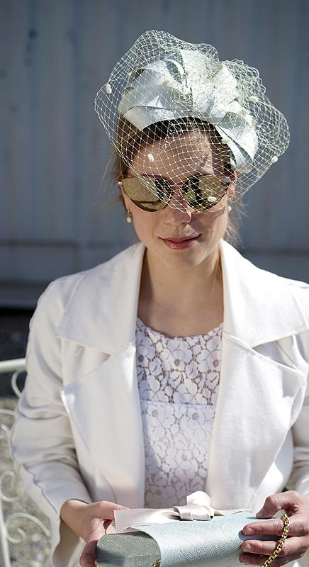 Christine-Halbig-Fascinator-Hochzeit-Kopfschmuck-Hut