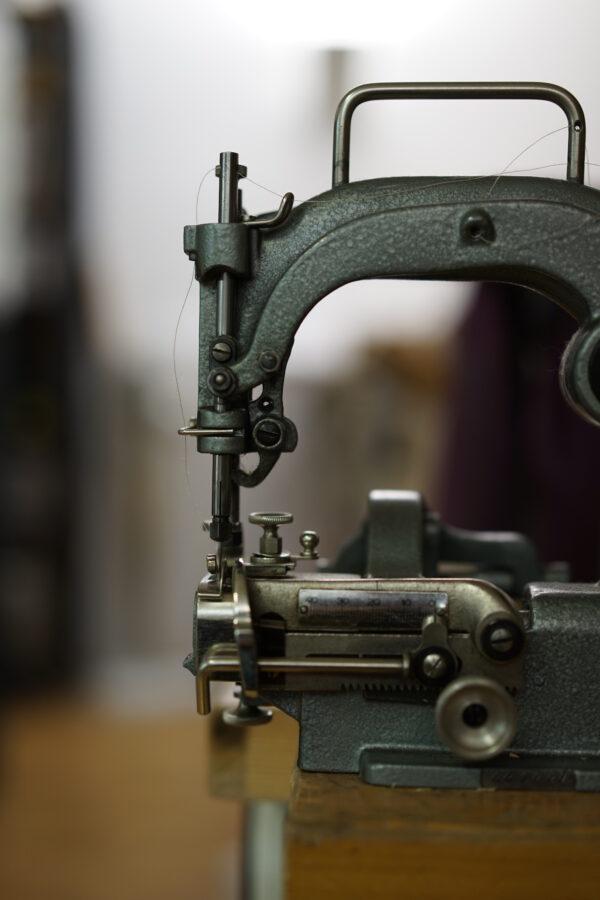 Nähmaschine für Bortenstroh